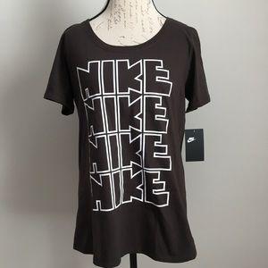 NWT NIKE Women's T-Shirt